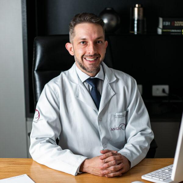 médico proctologista